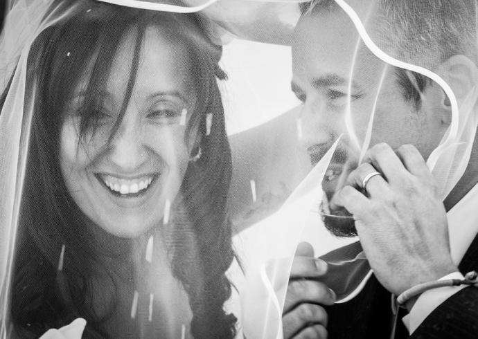 Lancio di coriandoli nel matrimonio moderno