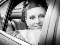L'arrivo della sposa in macchina