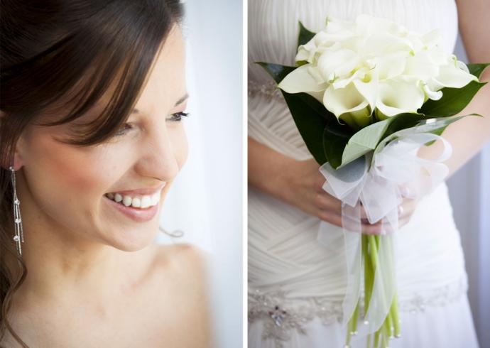 Sorriso della sposa e bouquet di calle