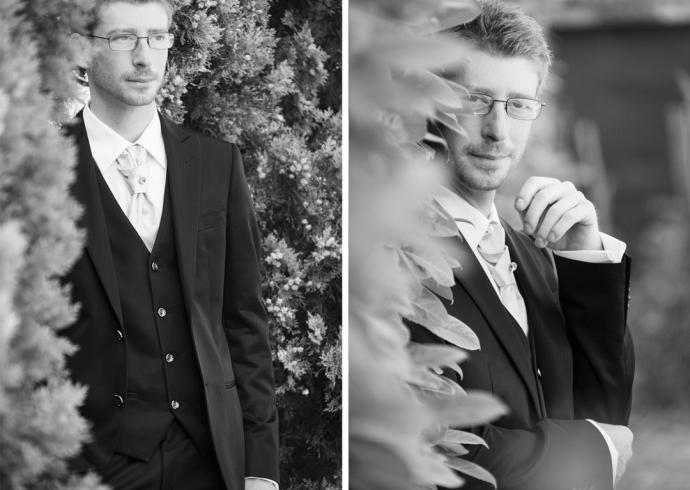Fotografia dello sposo nel giardino di casa