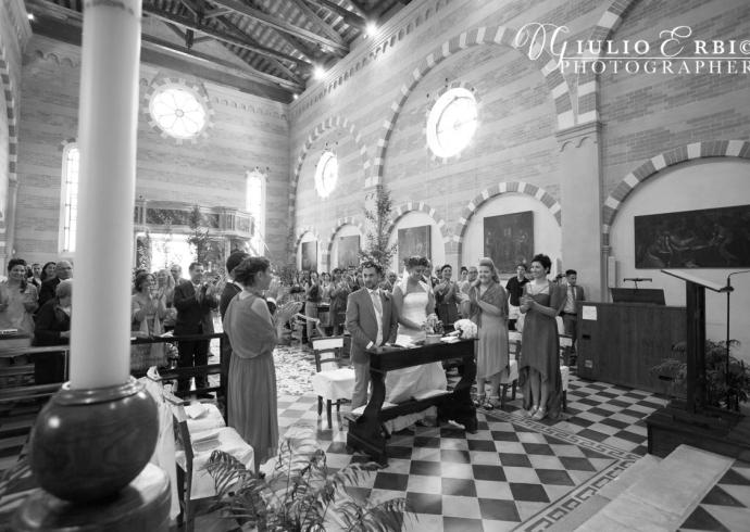 Cerimonia nuziale in una chiesa antica a Padova
