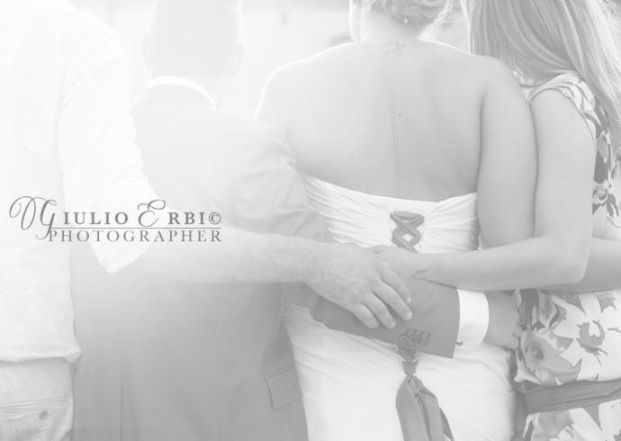 Fotografia di matrimonio con gli amici degli sposi