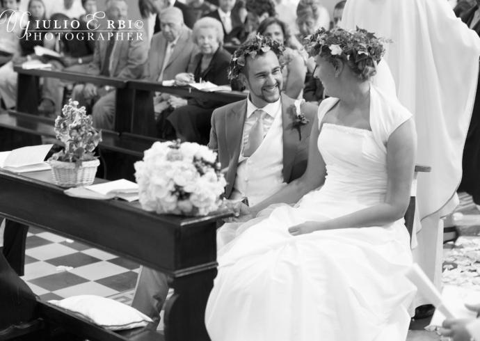 Fotografia reportage degli sposi in chiesa
